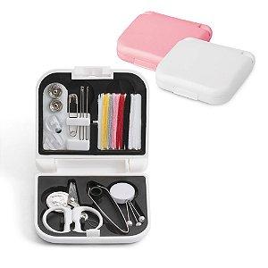 Kit de costura Incluso linhas de cor, agulhas, botões, 1 tesoura, 1 enfia linhas, alfinetes Fornecido em estojo