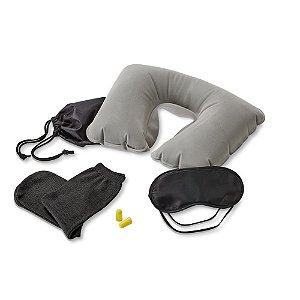 Kit de viagem Incluso almofada de pescoço, máscara para dormir, tampões para ouvidos (não é um equipamento de proteção individual) e 1 par de meias Fornecido com bolsa em 190T