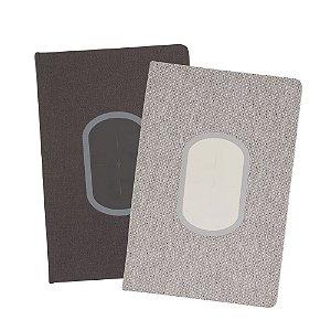 CAD250 - Caderno de anotações com carregador por indução, cabo usb, capa dura em material sintetico, miolo 80 folhas pautadas na cor bege.
