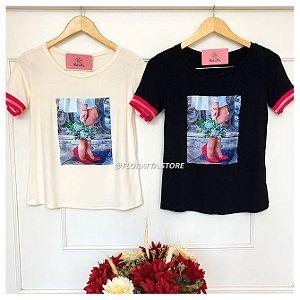 T-shirt Fashionista Detalhes Bordados