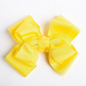 Laço Abacaxi Amarelo De Fita De Gorgurão No Bico De Pato Com Acabamento No Meio