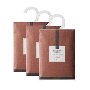 Três Sachês Perfumados Via Aroma 25g / Madeira Nobre