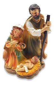 Estátua Resina Escultura Sagrada Família Jesus Na Manjedoura