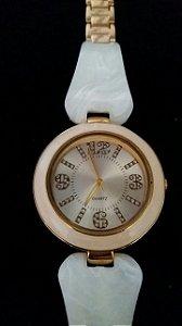 Relógio Dourado Estilo Madre Perola