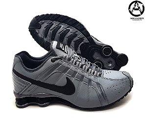 Tênis Masculino Nike Shox Junior - Grafite e Preto