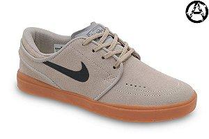Tênis Nike Sb Stefan Janoski Hyperfeel Masculino | Areia e Preto