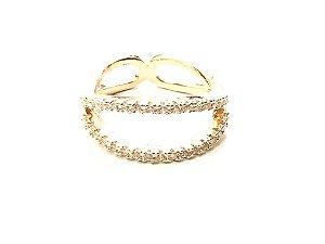 Anel folheado a ouro com zirconias cravadas