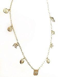 Gargantilha folheada a ouro com varios pingentes