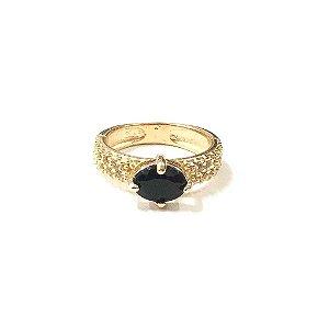 Anel Folheado a Ouro com Pedra Oval de Zircônia Onix