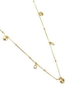 Gargantilha folheada a ouro com pingentes em toda volta