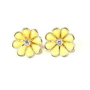 Brinco de florzinha amarela