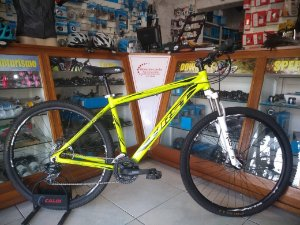 BICICLETA FIRST LIFTY AMARELA 21 VEL - TAM.: 19""
