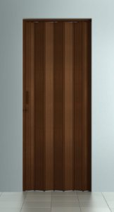 Porta Sanfonada Lisa Imbuia com Trinco - BCF Plasticos - Esquadriplast
