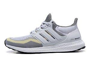 Tênis Adidas Ultra Boost - Feminino - Cinza Claro