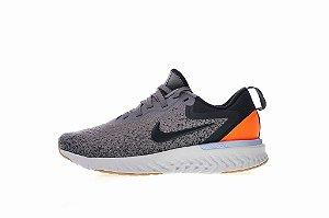 Tênis Nike Epic React Flyknit - Feminino - Cinza e Laranja