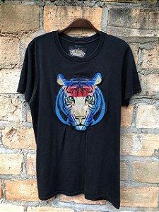 Camiseta preta customizada tam P