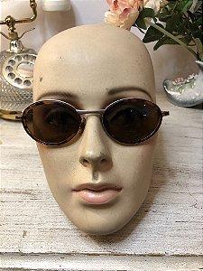 Óculos vintage ovalado