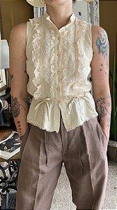 Blusa Vintage de Renda com botões (M)