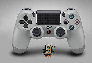 Controle DualShock 4 Sem fio para PS4 Gray 20Th (Seminovo) - Sony