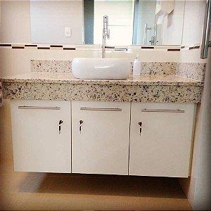 Armário para Banheiro Planejado Sob Medida em MDF Branco TX da Arauco.