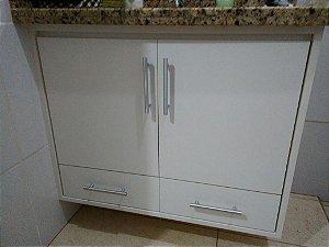 Banheiro Planejado Sob Medida em MDF Branco Texturizado da Masisa.