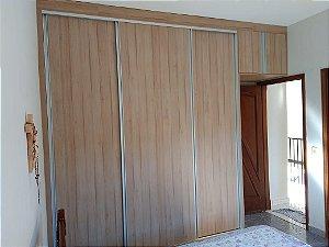 Dormitório Planejado Sob Medida em MDF Autentic da Arauco e MDF Branco TX.