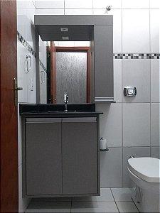 Banheiro Planejado sob Medida em MDF Lino Piombo.