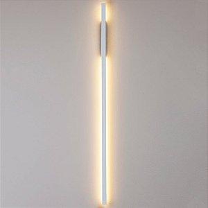 Arandela LED Fit Linear Metal e Acrílico 3000K 32W Bivolt 114x2,5x6,1cm Cor Branco Total Newline 657LED3BT