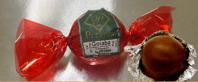 Bombom de Goiaba com castanha de caju