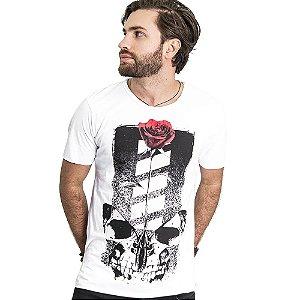 "Camiseta Skuller ""Skull Roses"" - Branca"
