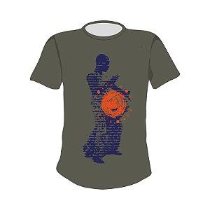 Camiseta estampa Tocando