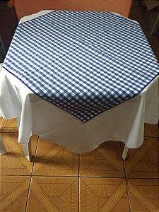 Locação de kit  com Toalha Branca 1.40m + Cobre Mancha xadrez Azul 70x70cm
