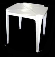 Locação de Mesa Plastica Branca 70x70