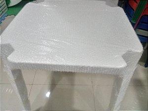 kit com 30 Mesas 70x70 Monobloco de Plástico Empilháveis Branca
