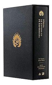 A Bíblia de Estudo da Fé Reformada - Capa Couro Legítimo Preto e Estojo - R. C. Sproul