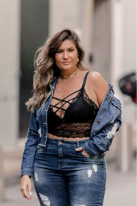 Top em Renda Plus Size