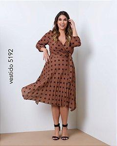 Vestido Plissado Poá Caramelo