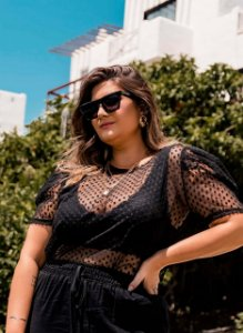 Top Plus Size em Renda Bruna Rego