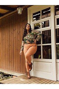 Calça Bengaline Plus Size Leonor Caramelo