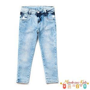 Calça Jeans com elastano e detalhe em strass Parizi