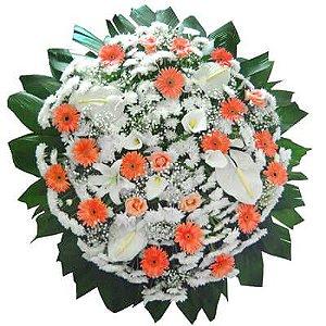 Coroa de Flores Luxo - Antúrios, Rosas Brancas e Lírios