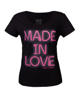 Camiseta Feminina Made in Love Preta