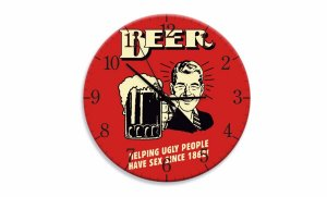 Relógio Beer Helping