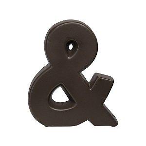 Letra E em Ceramic Tabaco