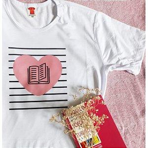 Camiseta Literária Livro, Listras e Coração
