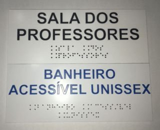 Placa em braille