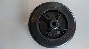 Roda aro 6 nylon com pneu maciço furo 3/8