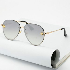 Óculos de sol espelhado, estilo aviador. Unissex. Coleção Bee – by Carol Schutz