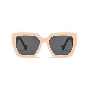 Óculos de Sol Coleção Carol Schutz Inverno 2021 Quadrado Bege
