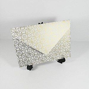 Envelope branco com adamascado dourado Mod.EN3100 - 15x21,5cm
